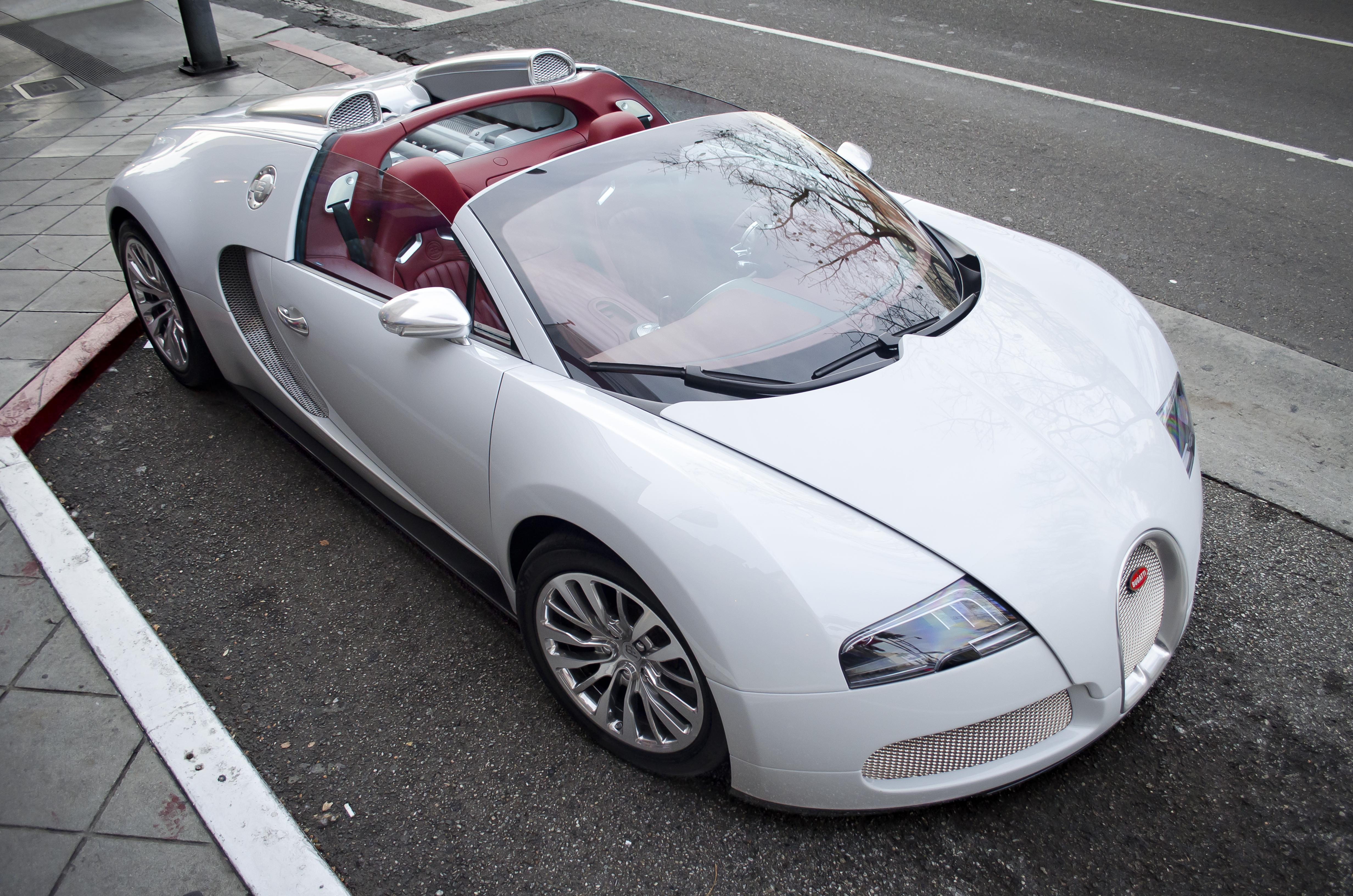 filewhite bugatti veyron grand sport with red interior 11975814436jpg - Bugatti Interior 2014