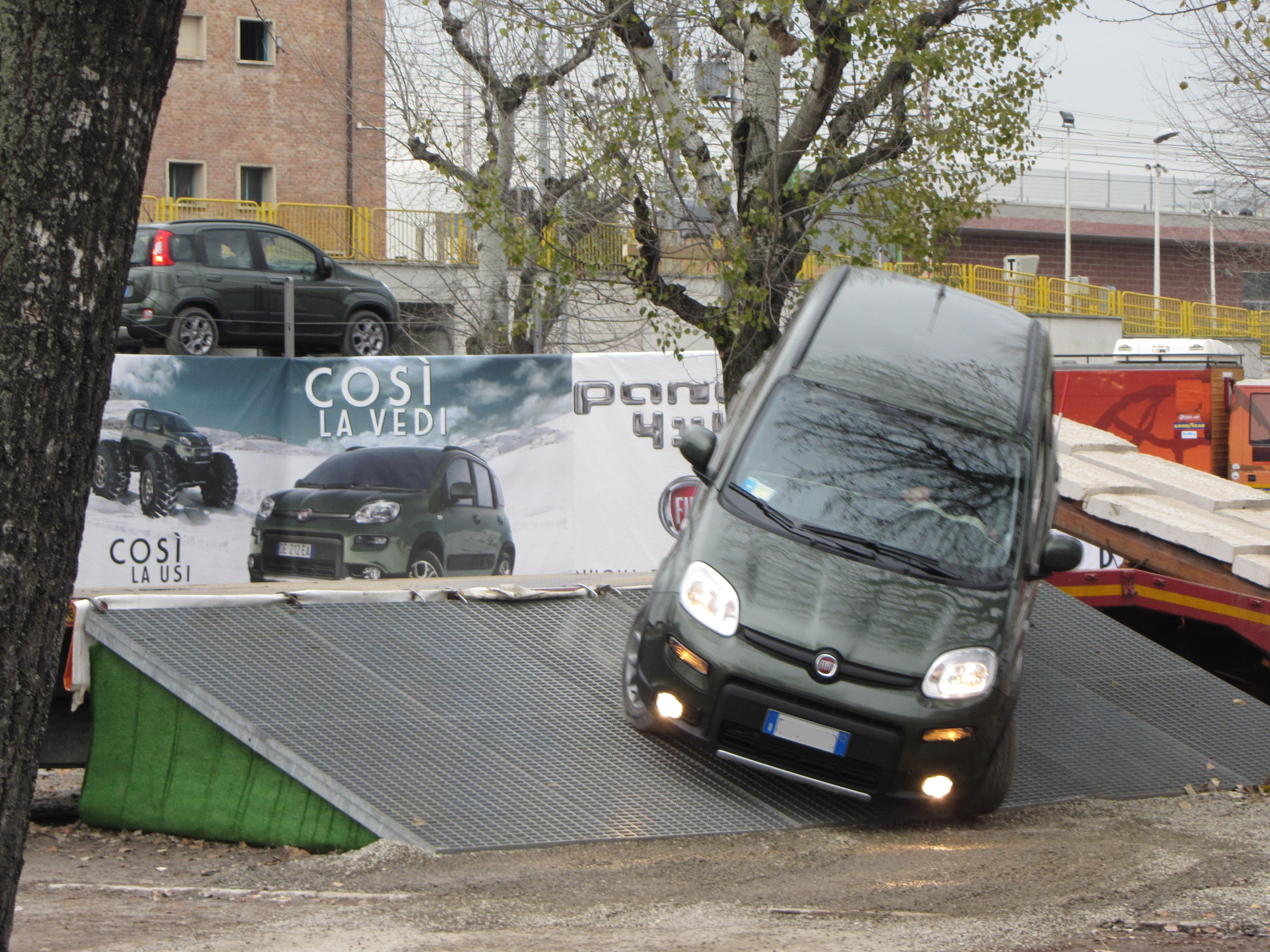 Ficheiro 12 Italy Fiat Panda 4x4 Test Drive Off Road At Bologna Motor Show 2012 09 Jpg Wikipedia A Enciclopedia Livre