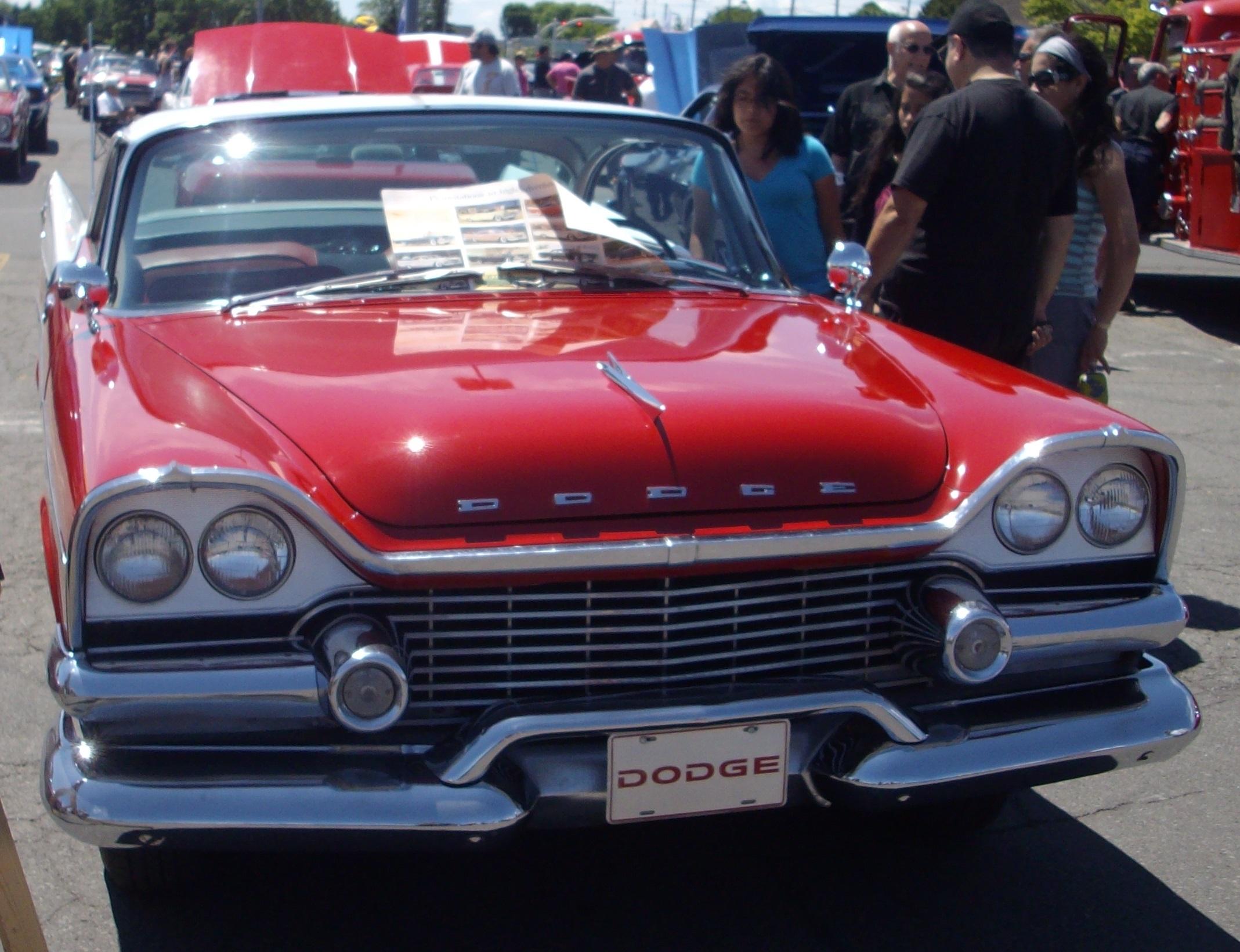 File:'58 Dodge Coronet (Remblement Mopar Valleyfield '12).JPG ...