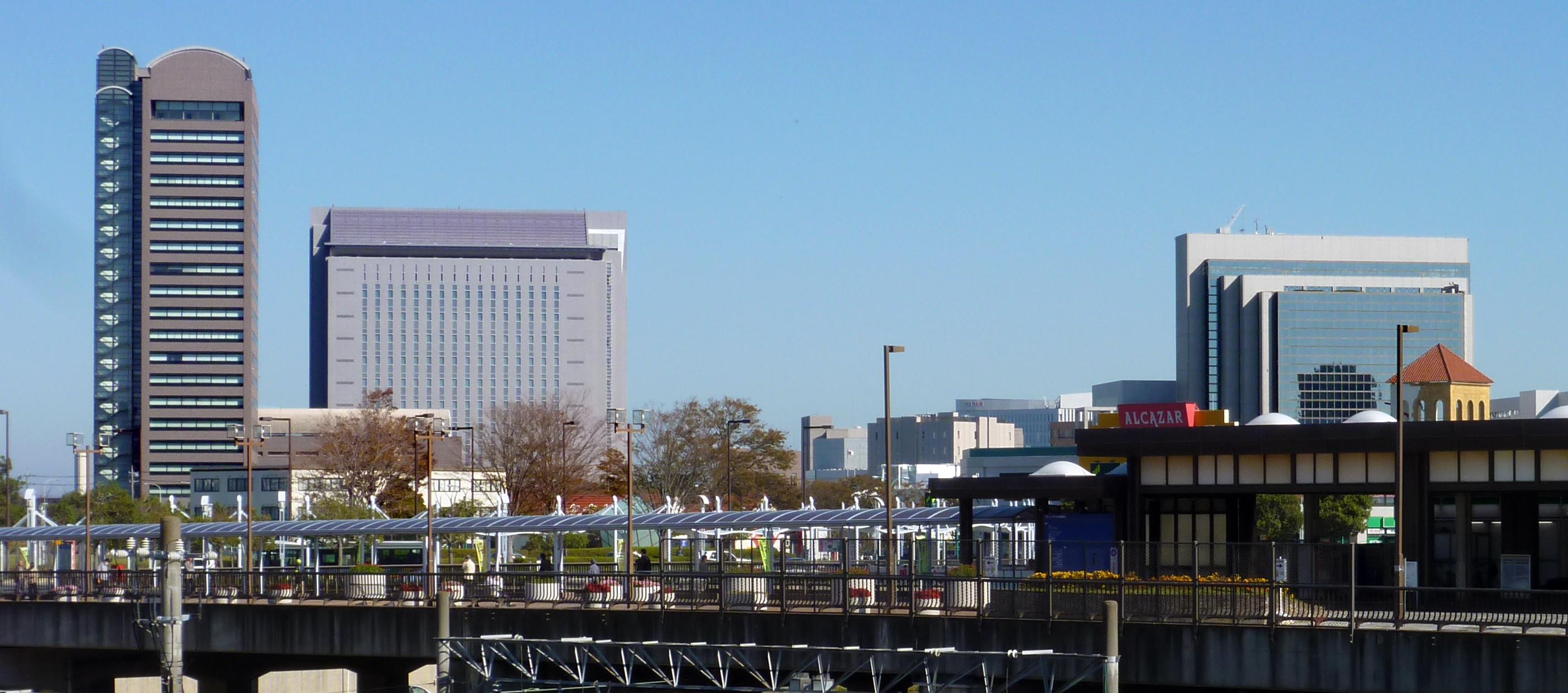 http://upload.wikimedia.org/wikipedia/commons/d/d2/千葉ニュータウン中央駅 ...