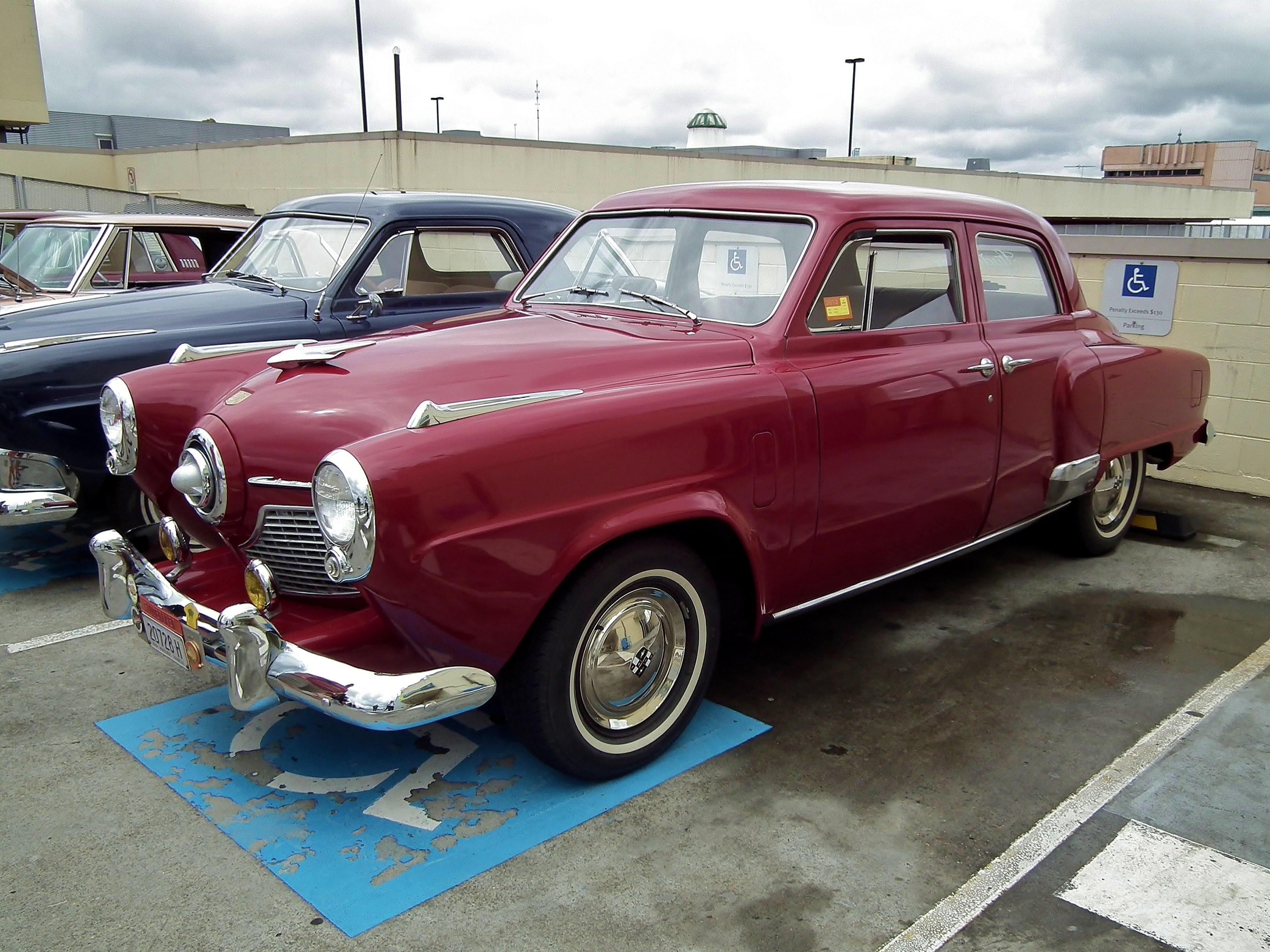 1951_Studebaker_Champion_sedan_(67129621