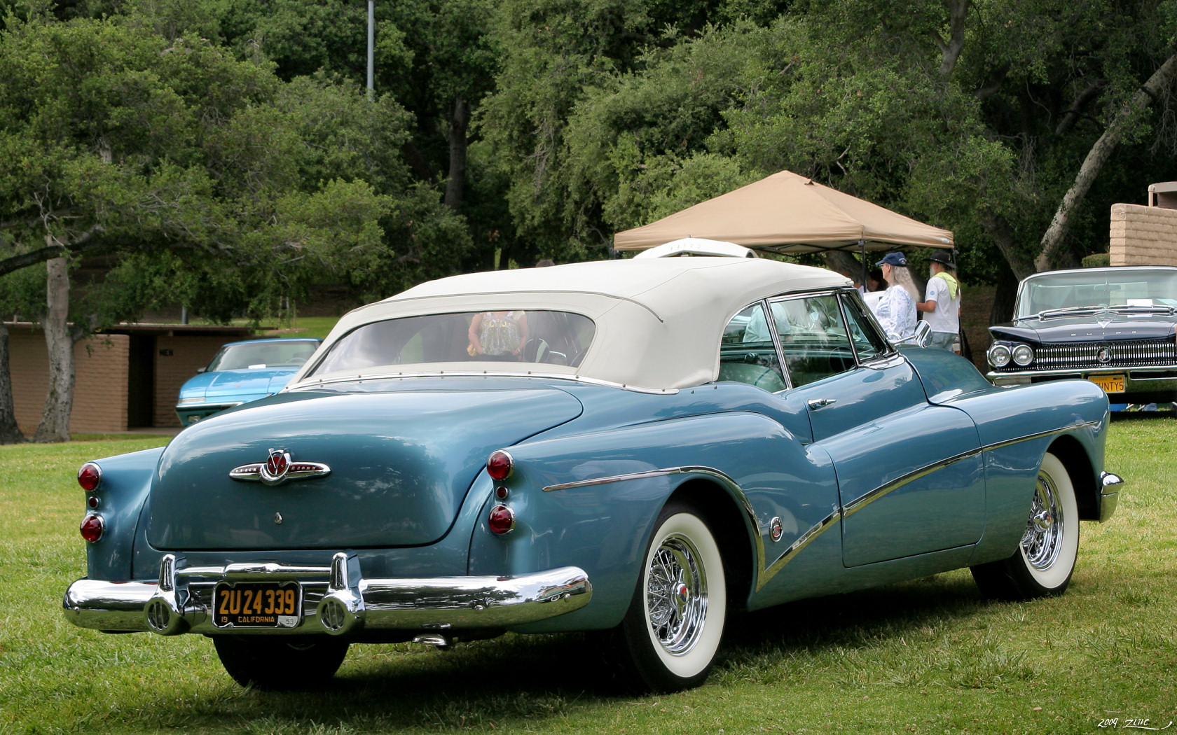 1953 1955 Sunbeam Alpine together with File 1953 Buick Skylark   blue   rvr furthermore Cuba Havana Beach Holiday Caribbean Island  munism moreover Automotive Design Oem Concepts as well Selection De Noel La Collection Ferrari. on classic cars from 1950s