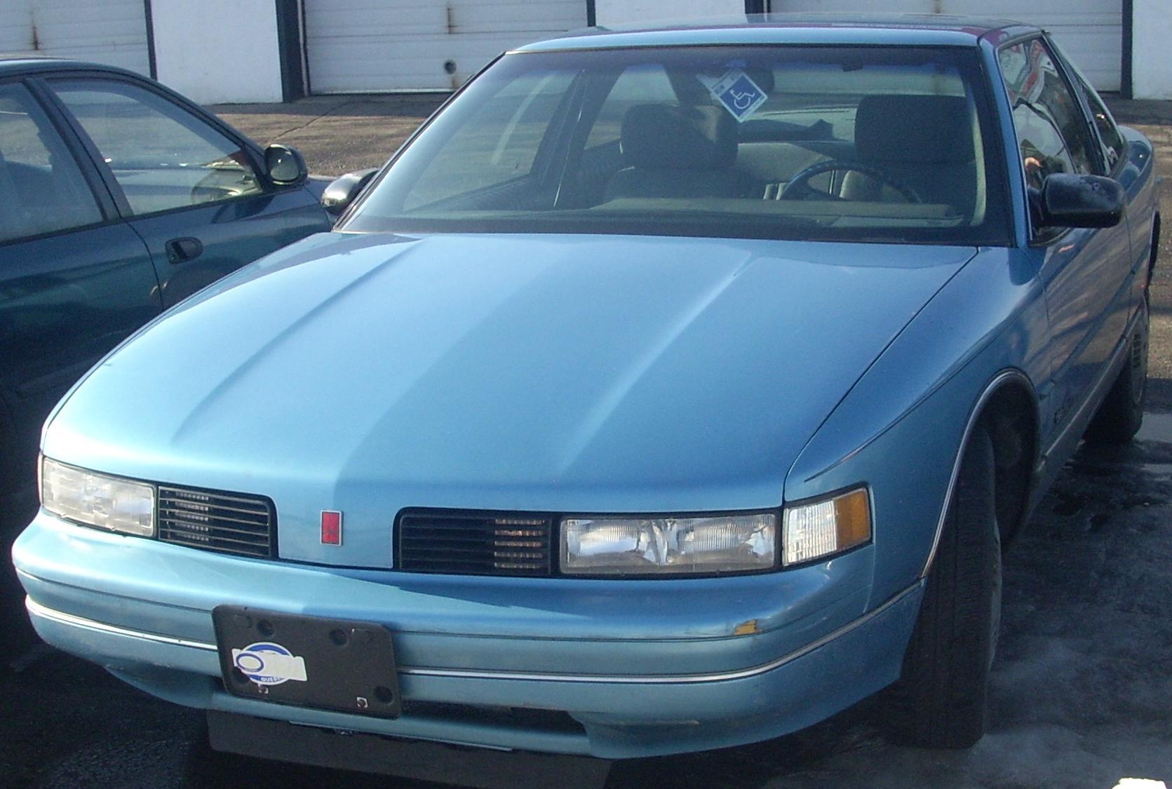 File 1988 91 oldsmobile cutlass supreme coupe