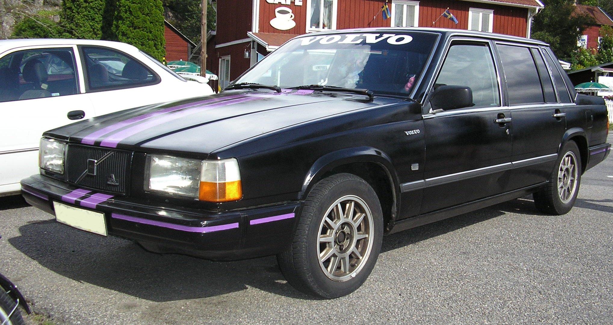 File 1990 Volvo 744 Jpg Wikimedia Commons
