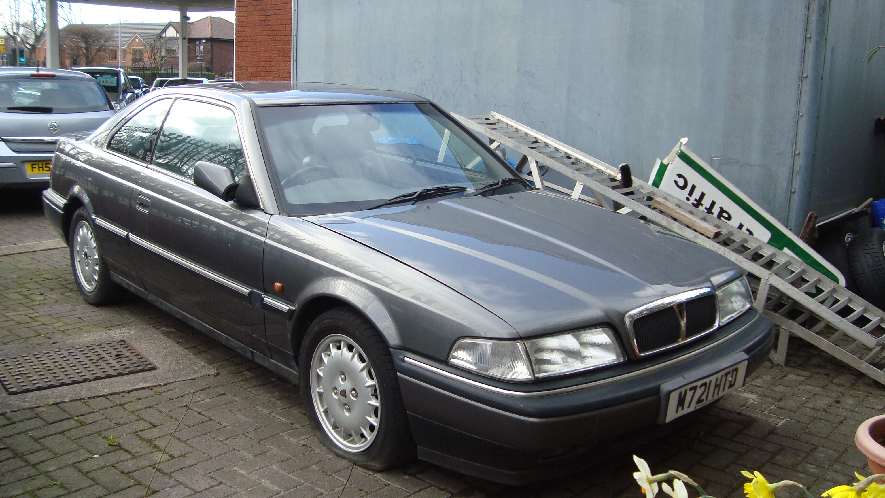 File:1994 Rover 827 Coupe (13358245015).jpg