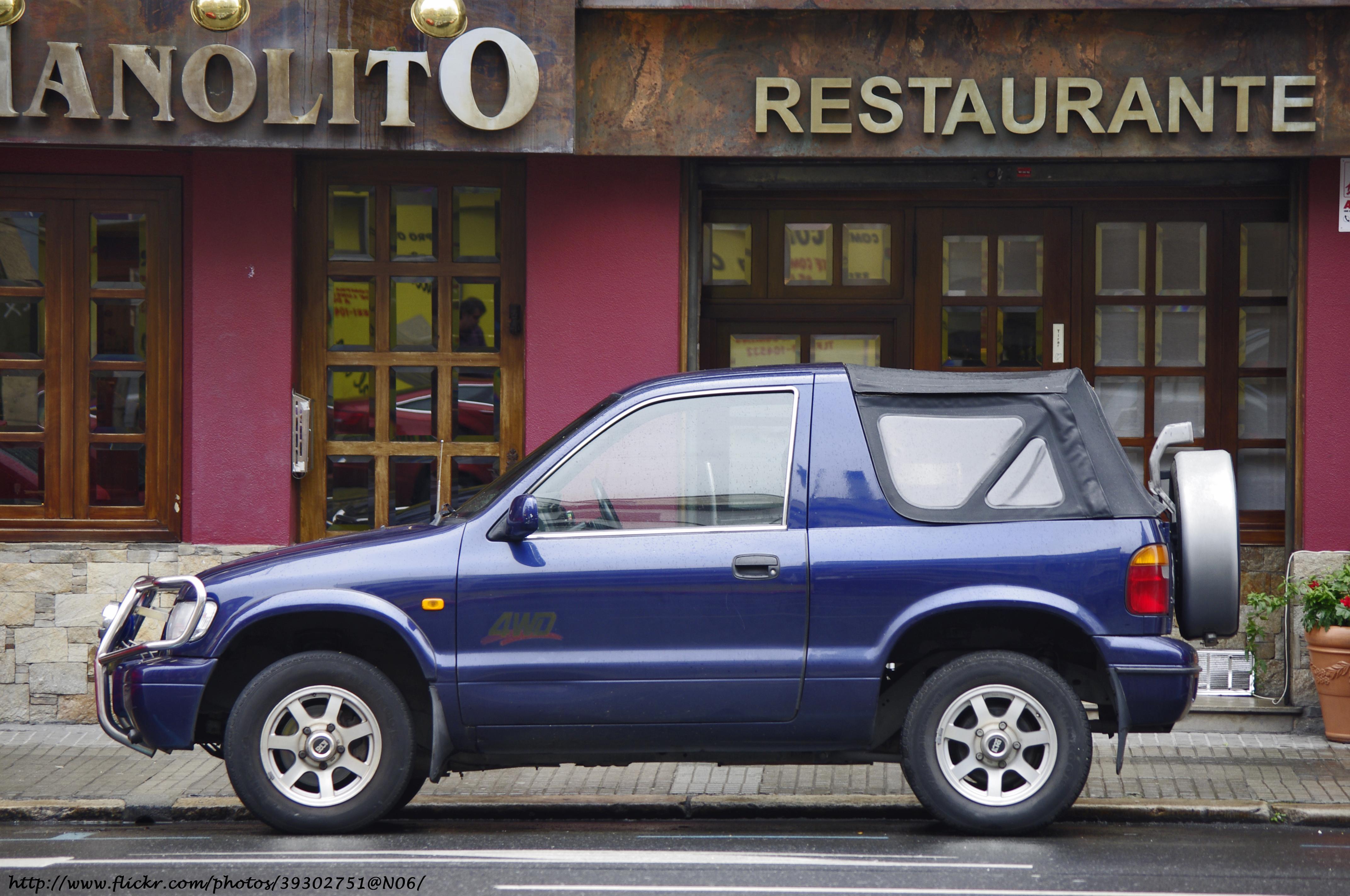 2 Door Convertible >> File:2001 Kia Sportage 4WD two-door soft-top (5819375058 ...