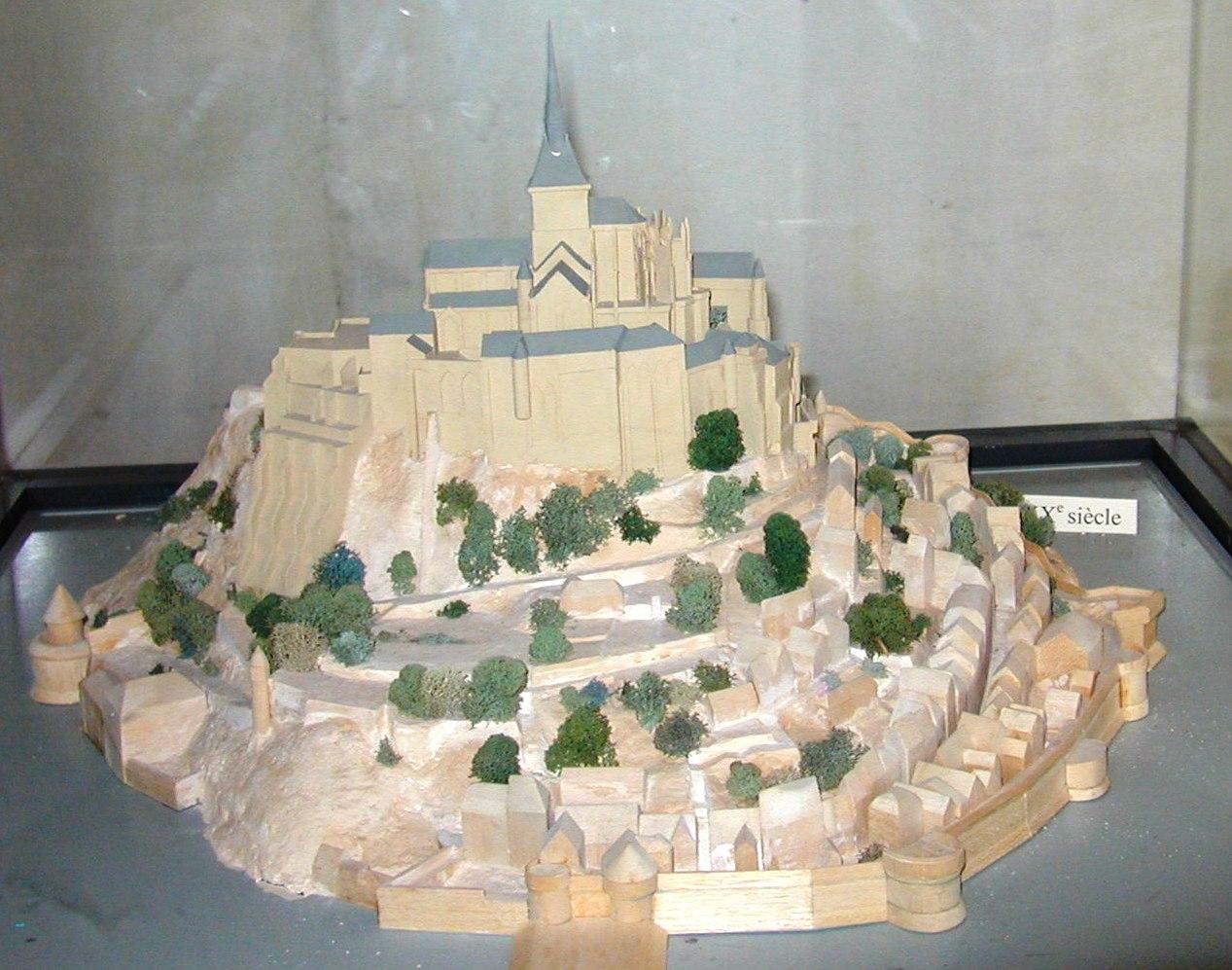[Image: 200506_-_Mont_Saint-Michel_53_-_Maquette.JPG]