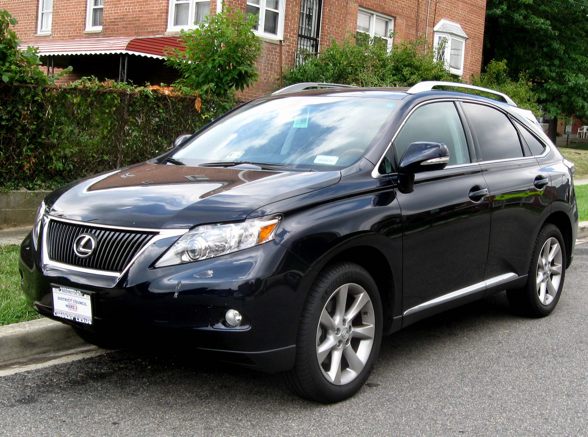 File:2010 Lexus RX350 1 -- 08-14-2009.jpg - Wikimedia Commons