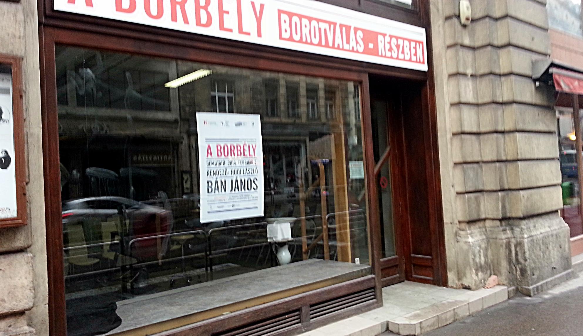 9dc04be18c File:A borbély című darab egy Kossuth Lajos utcai üzletben.jpg ...