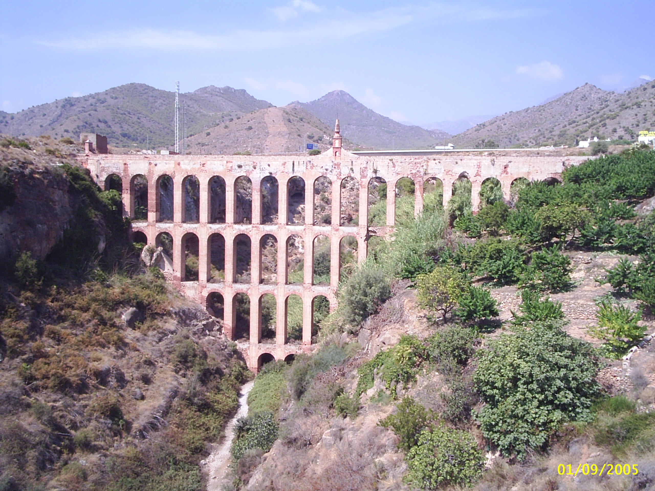 File:Acueducto del Aguila.jpg
