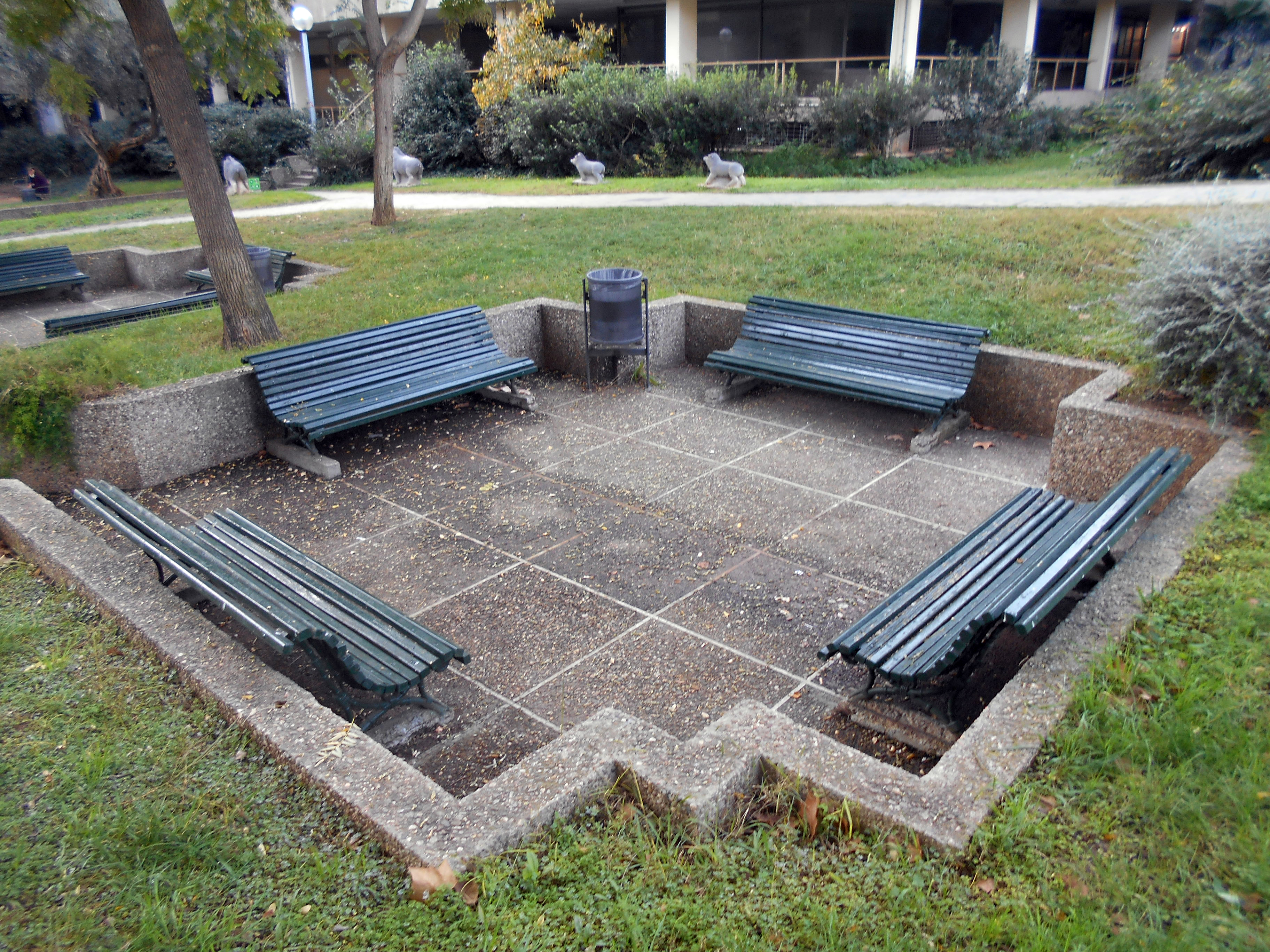 Mobiliario urbano de barcelona wikiwand - Mobiliario para jardin ...