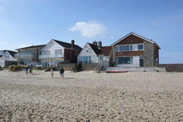 File Beach Houses Near Poole Geograph Org Uk 1207149