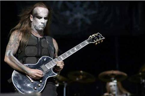 Le Diagnostican Leucemia a vocalista de Behemoth Behemoth-Nergal