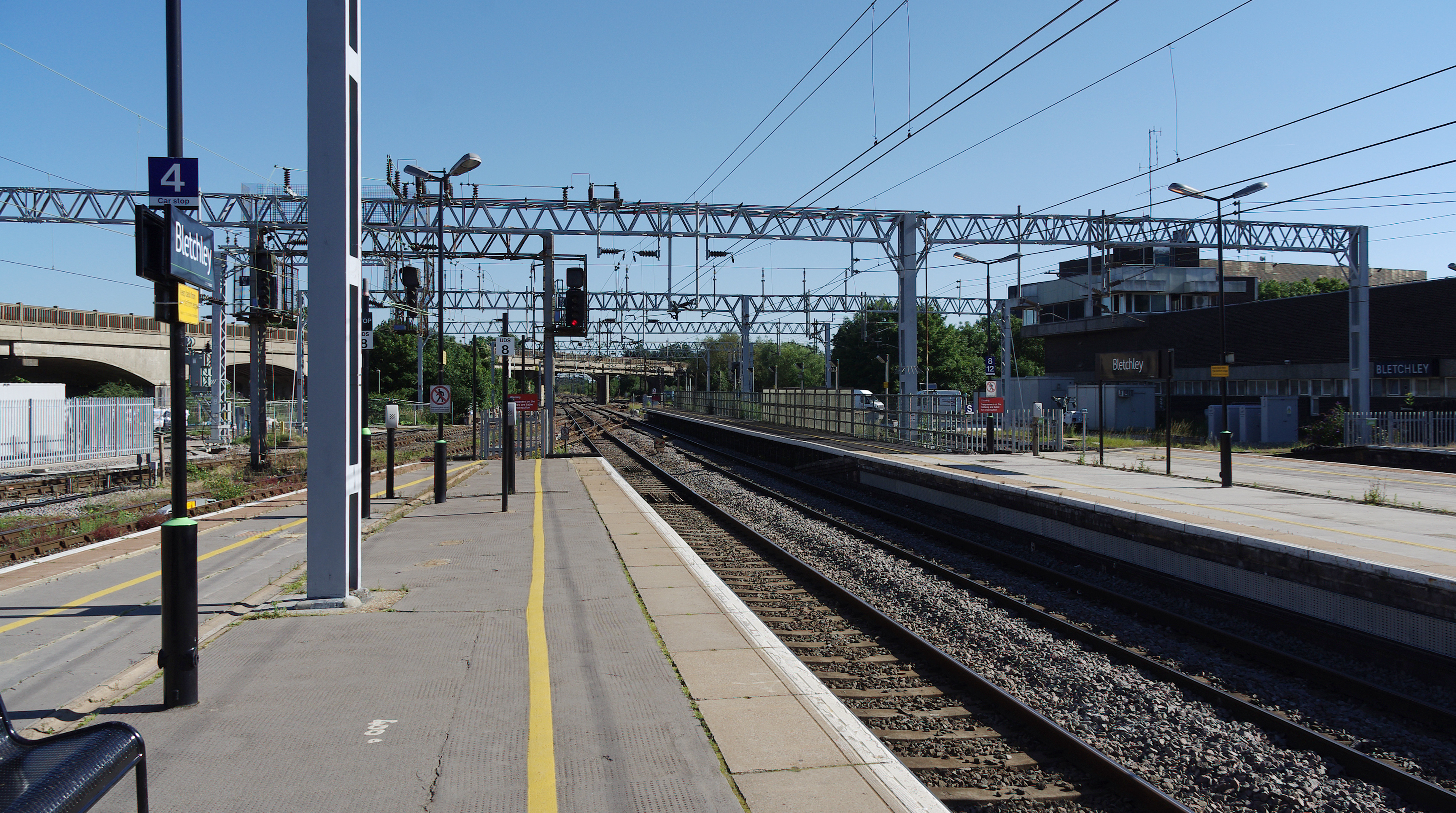 file bletchley railway station mmb wikimedia commons. Black Bedroom Furniture Sets. Home Design Ideas