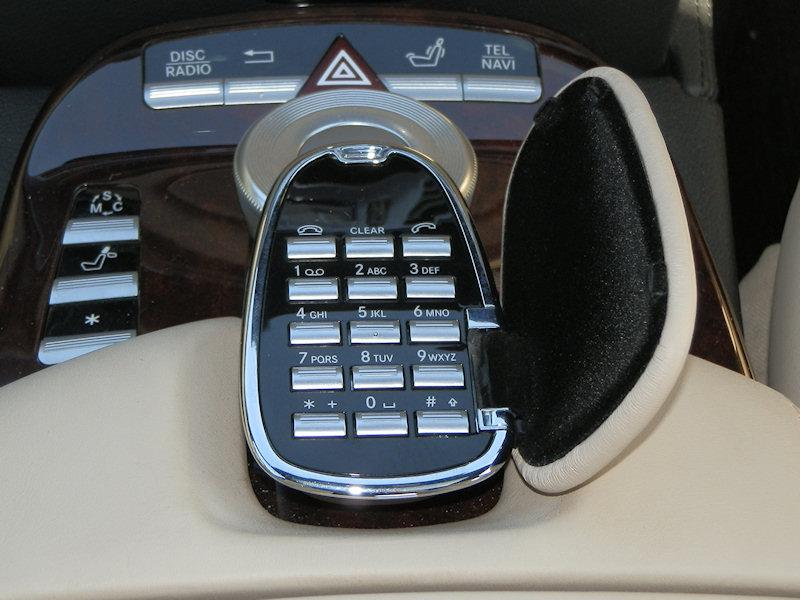 Comand aps wiki everipedia for Mercedes benz comand system upgrade