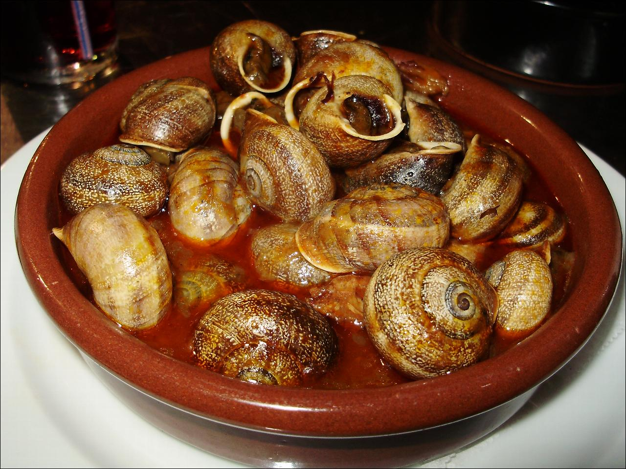 File caracoles servidos en barcelona for Andorran cuisine