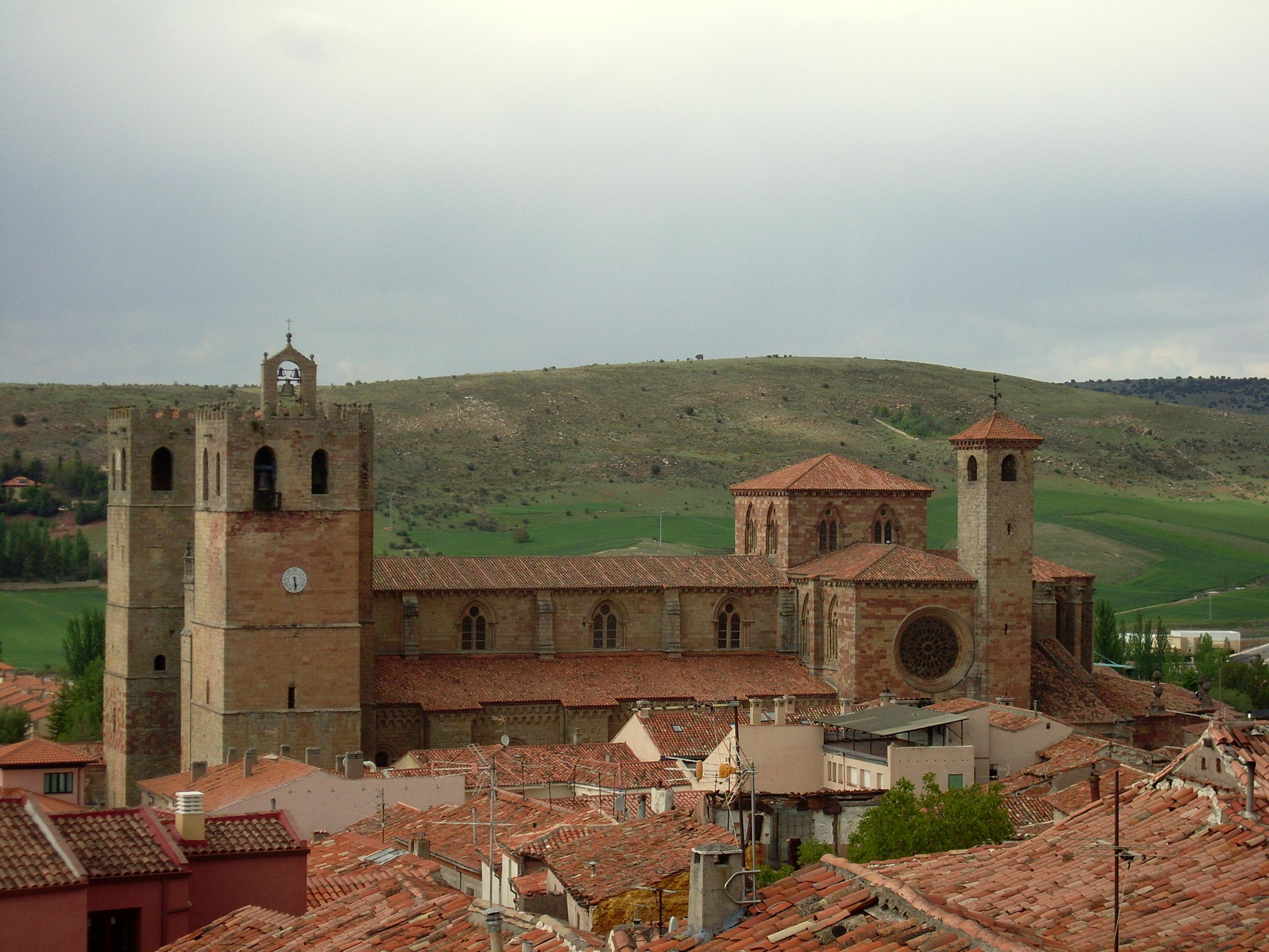Catedral de Sigüenza – extraída de Wikipedia