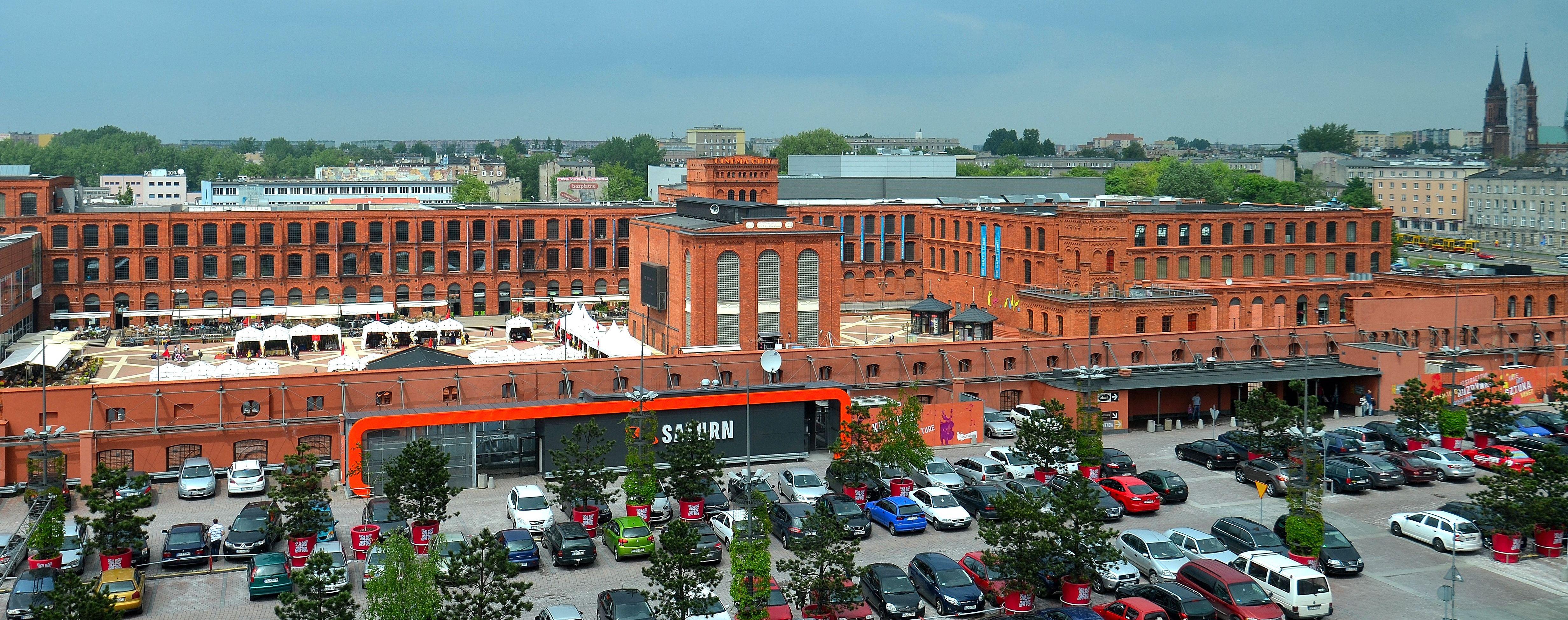 ecdbb9240d File Centrum Handlowe Manufaktura w Łodzi 05.JPG - Wikimedia Commons