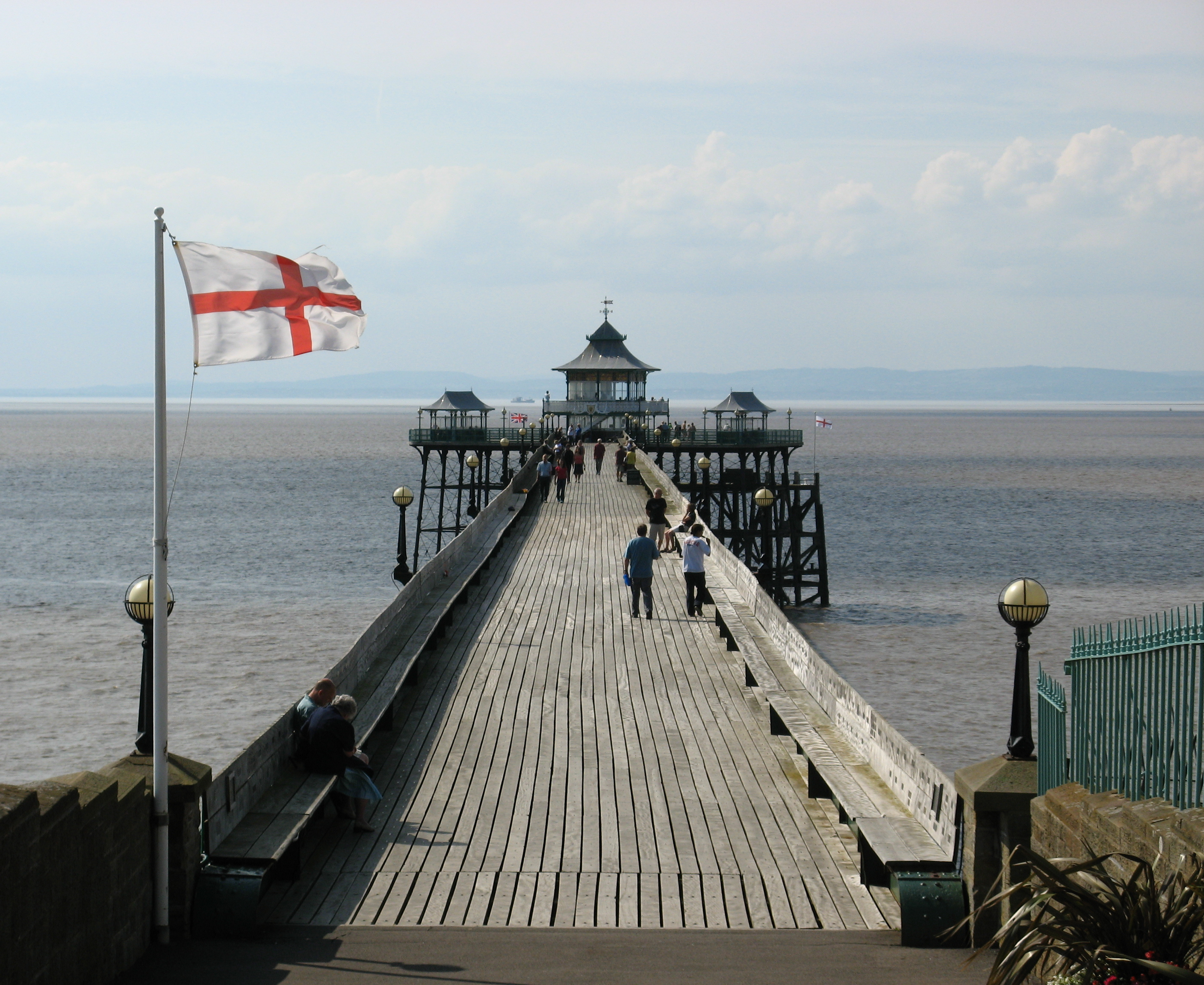 File clevedon pier from toll wikimedia commons for House piers