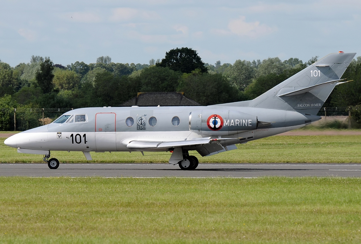 file dassault falcon 10mer france air force jp7410451 jpg