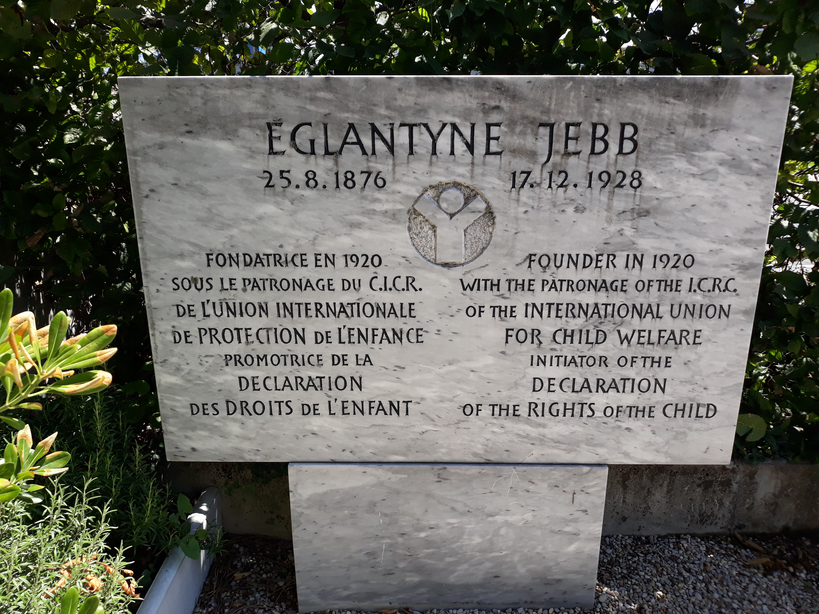 Memorial to Eglantyne Jebb on the [[ICRC