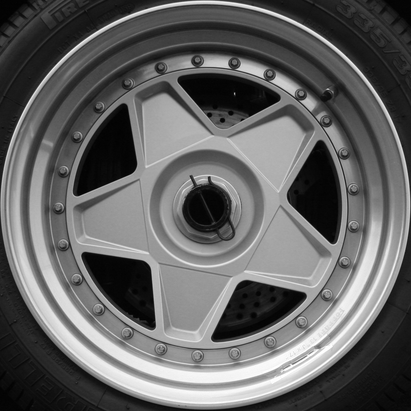 File Ferrari F430 Scuderia Wheel Jpg: File:Ferrari F40 Wheel