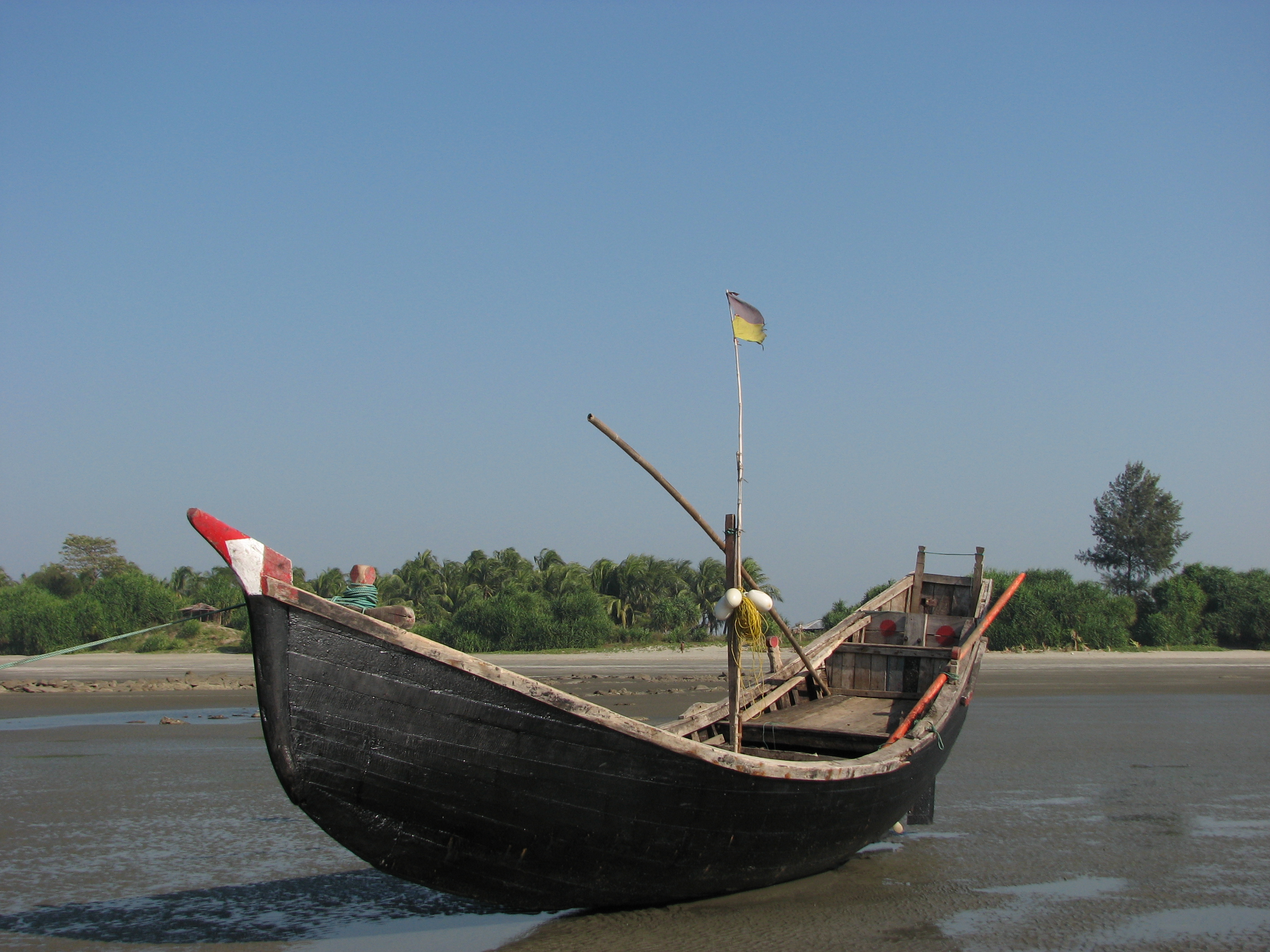 Traditional fishing boat for Free fishing boats