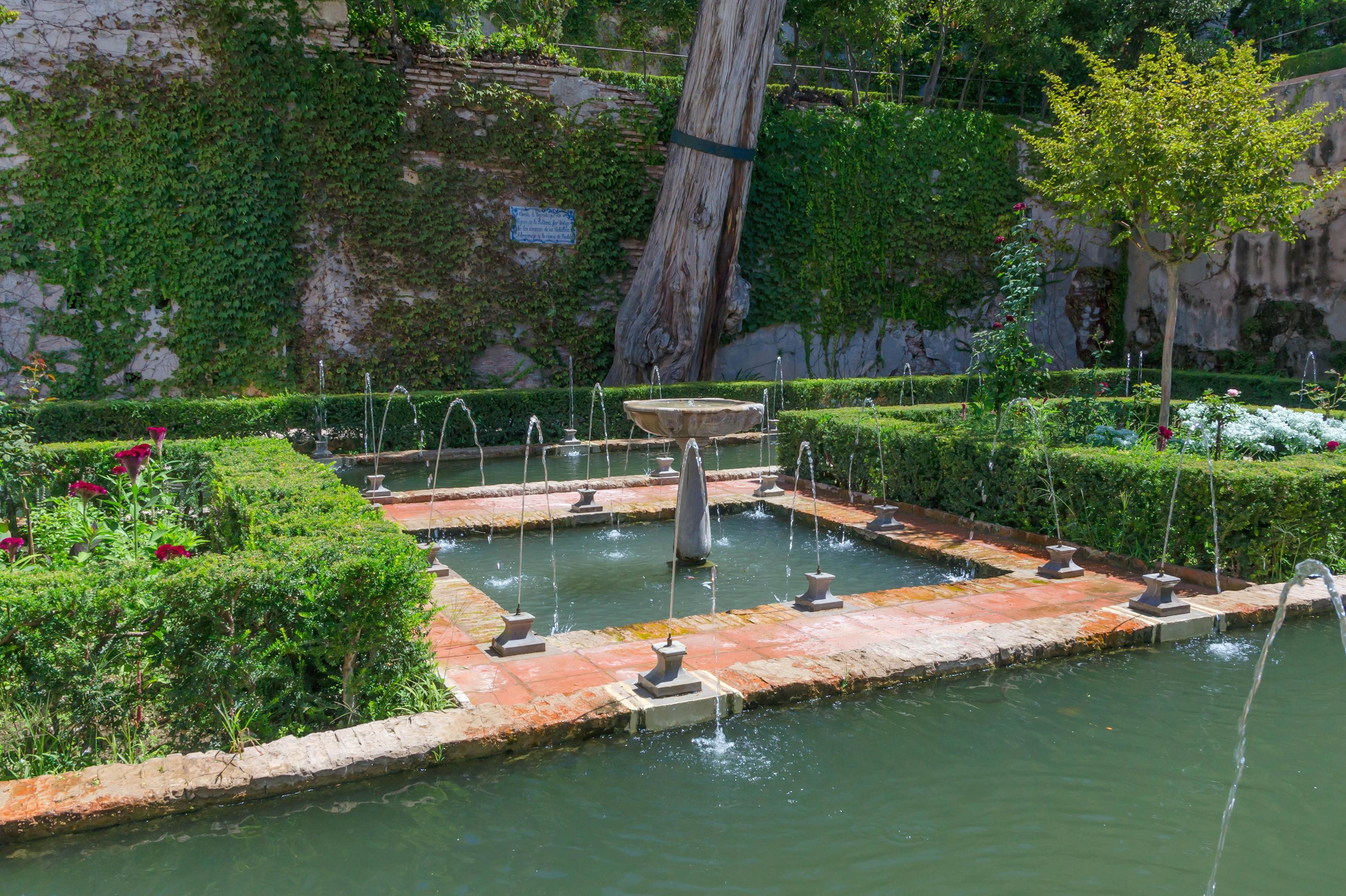 File fontaines plaque jardin sultane generalife granada for Jardines de gomerez granada