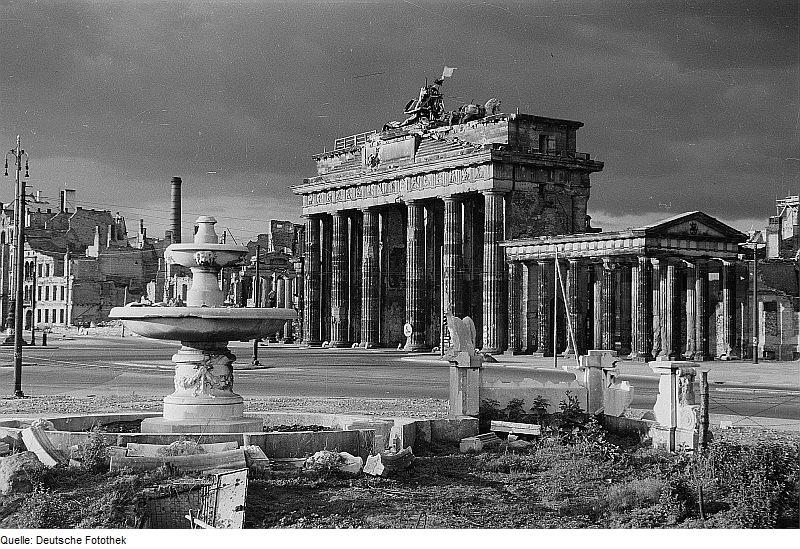 File Fotothek Df Ps 0000841 007 Kriege Kriegsfolgen Zerstorungen Trummer Ruin Jpg Wikimedia Commons