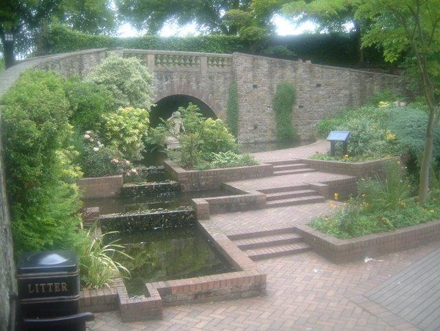 Fountain in Shrewsbury Park - geograph.org.uk - 1074261