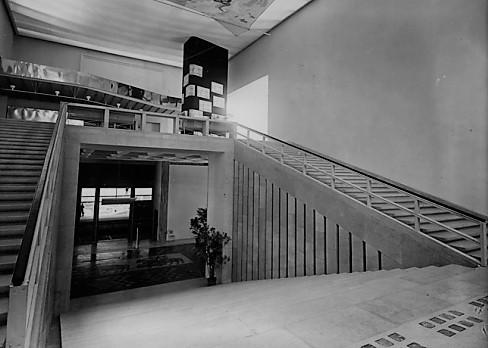 File:Galmanini, Scalone d'Onore della Triennale di Milano 1947.jpg