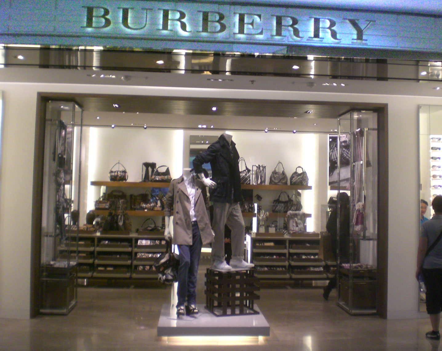 burrbery outlet kz1v  burrbery outlet
