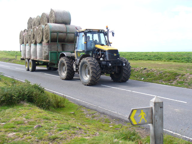 Over The Road Tractors : Tractor on the road over cefn bryn with his load of hay
