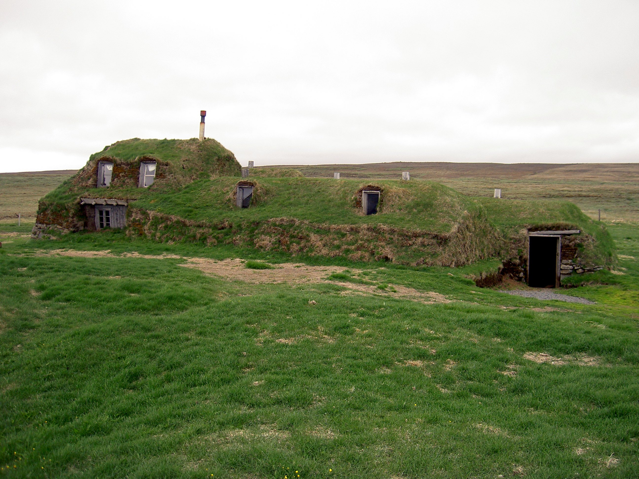 Great Iceland Earth Covered Homes 2592 x 1944 · 981 kB · jpeg