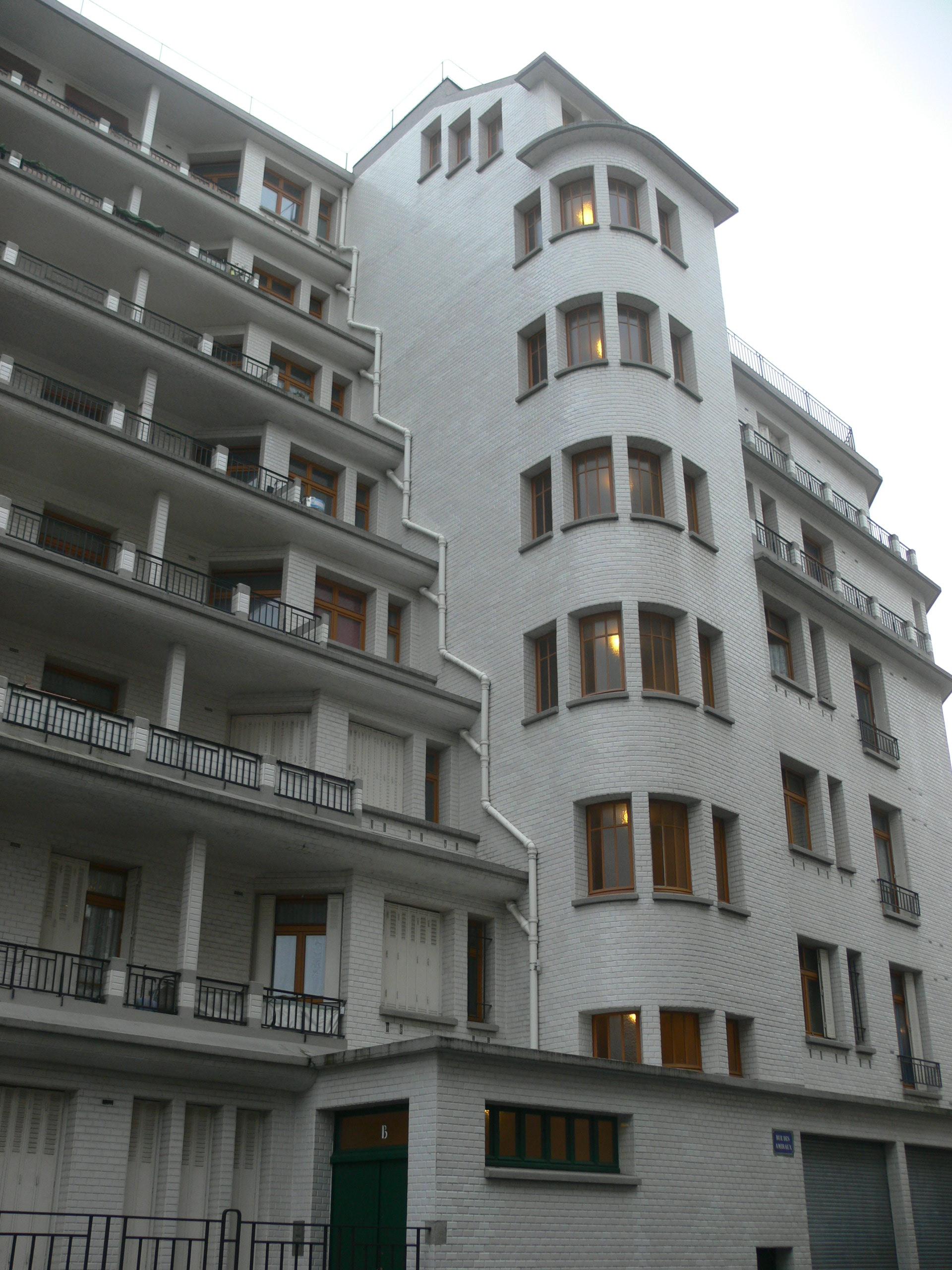 File Immeuble Sauvage Piscine Des Amiraux Rue Des Amiraux 3 Jpg