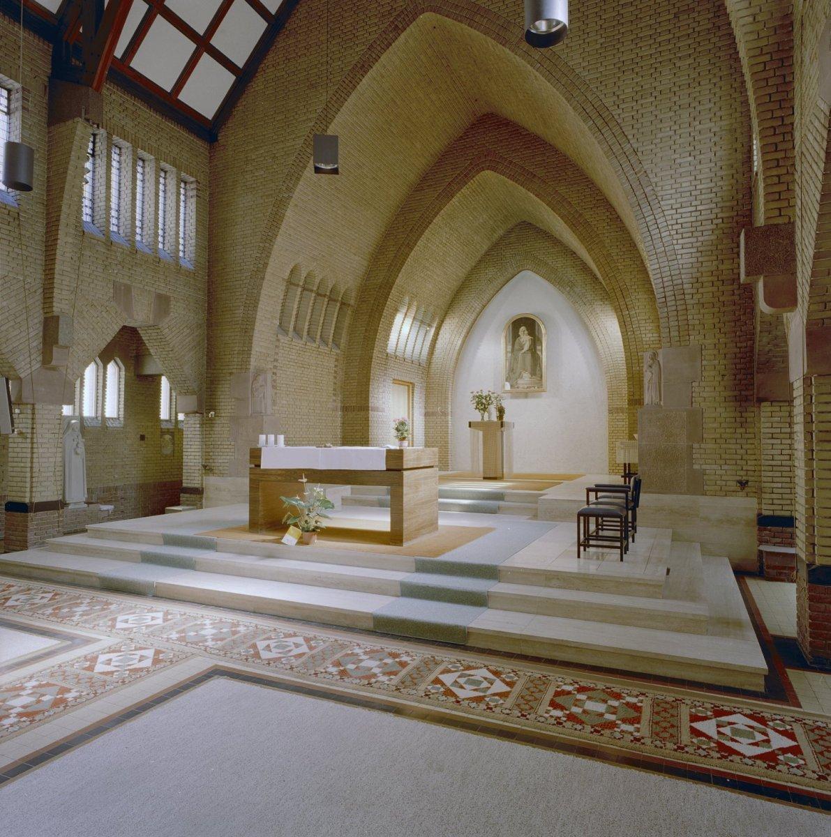 File:Interieur, kapel - Nijmegen - 20337595 - RCE.jpg - Wikimedia ...