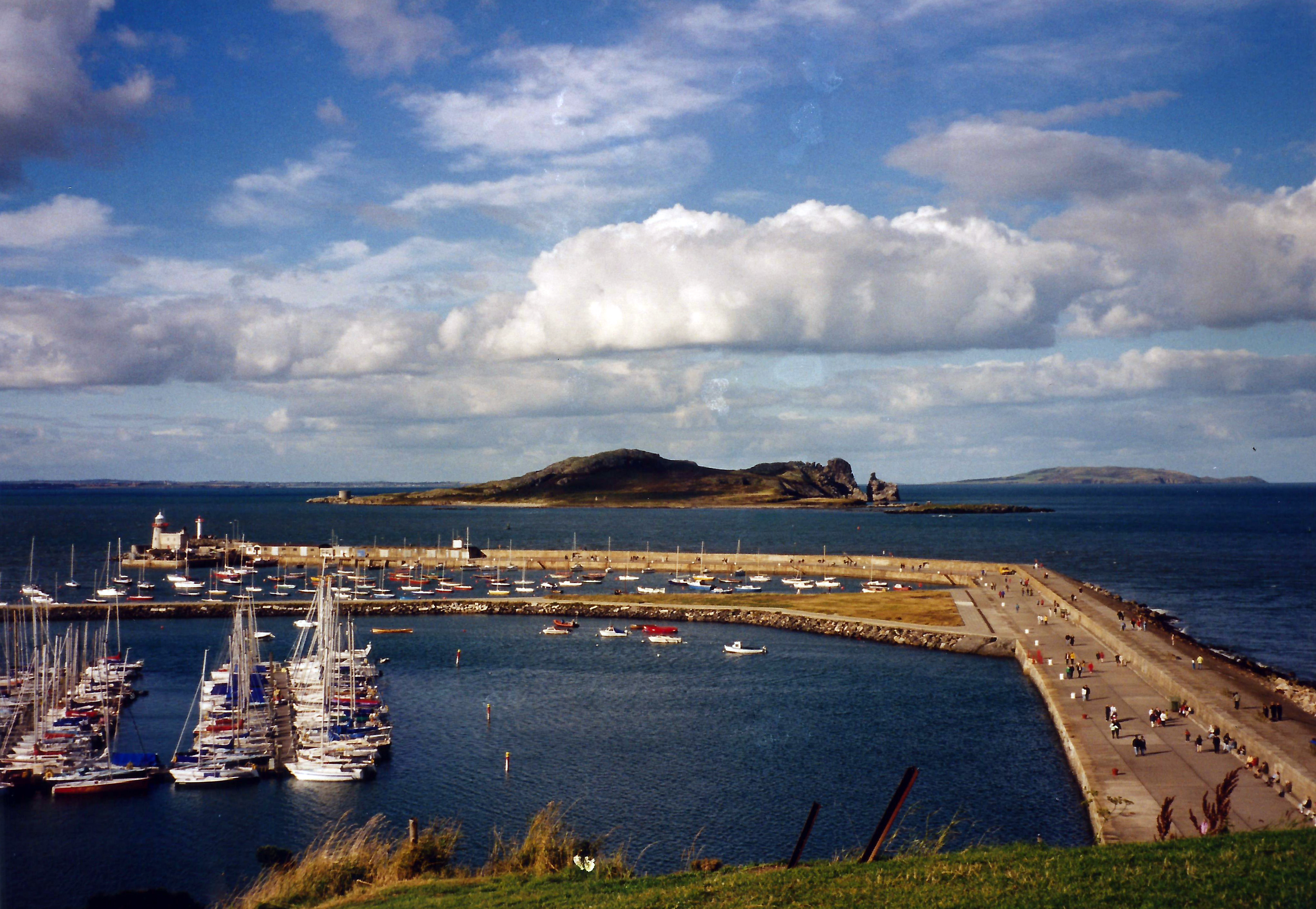 File:Ireland's Eye from Howth Harbour 1.jpg