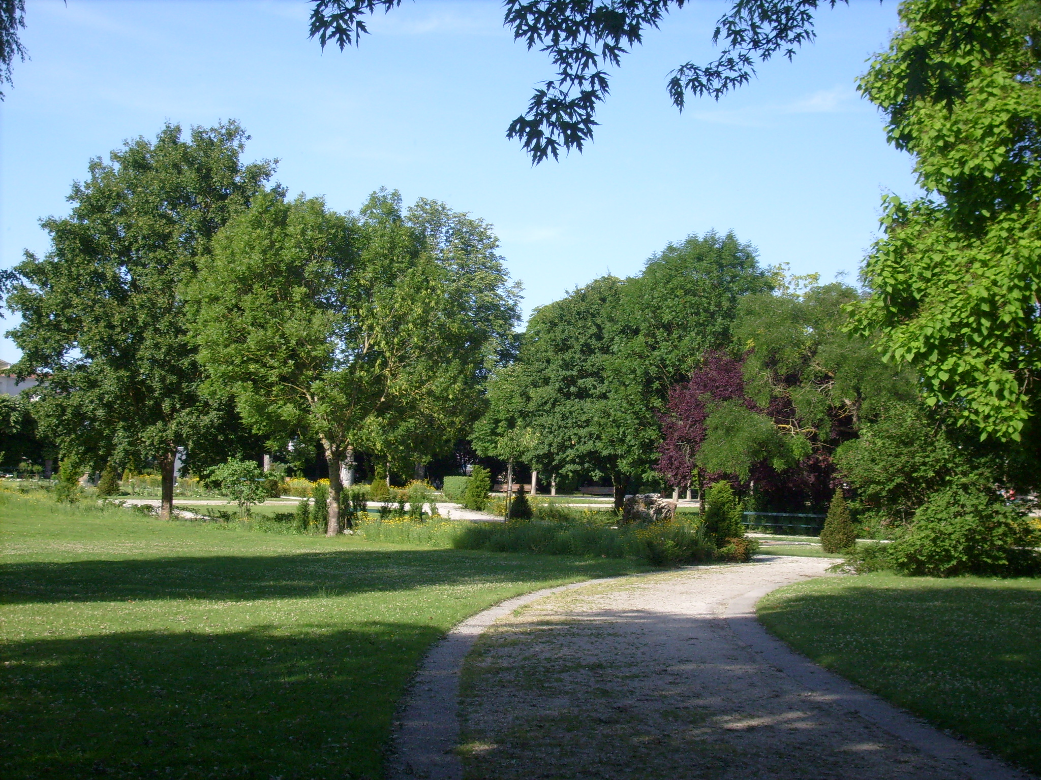 Fichier jardin public de saintes 2 jpg wikip dia for Jardin public