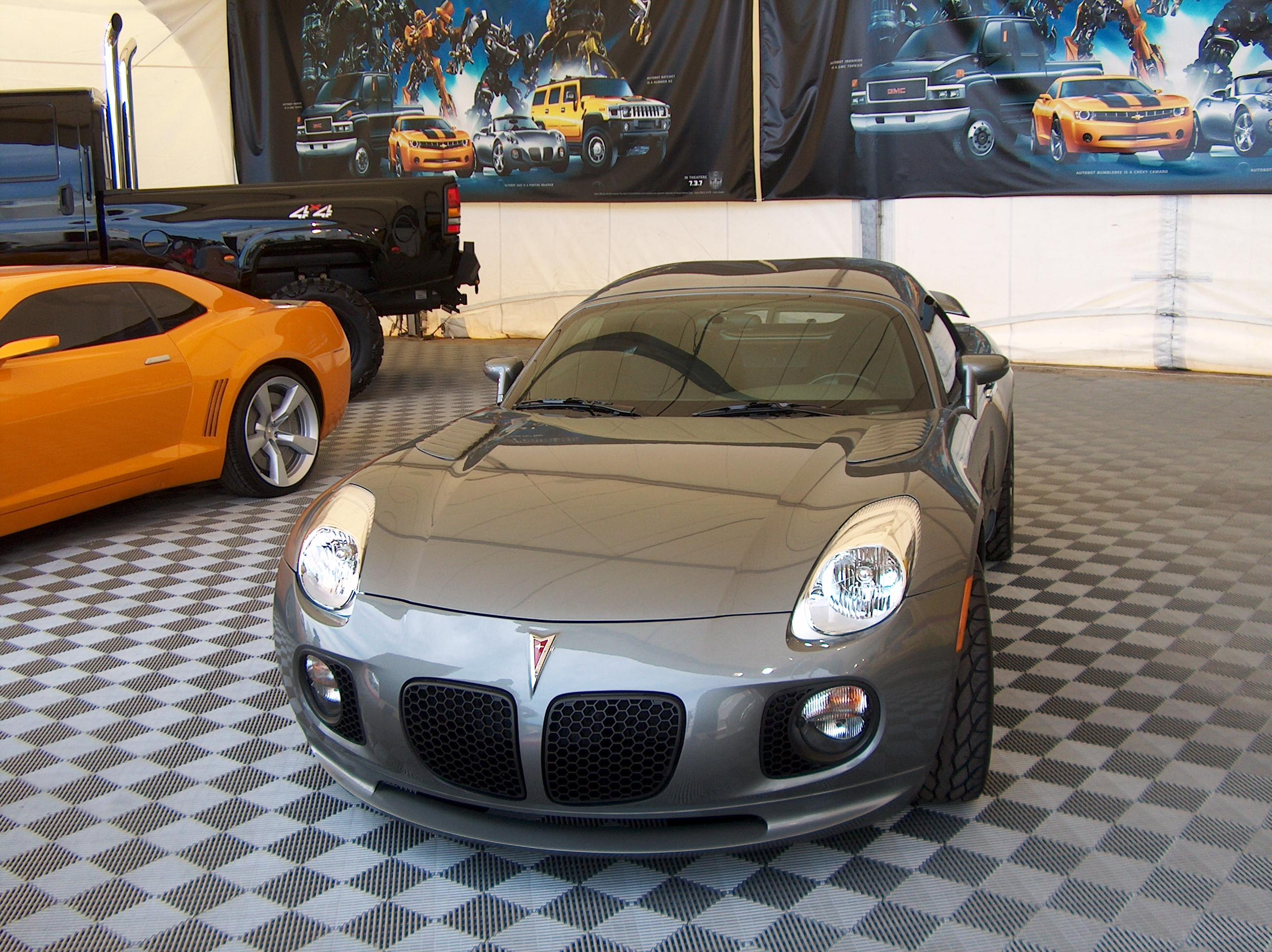 The Custom Pontiac Solstice That Represents Jazz S Alternate Mode At General Motors 2007 Detroit River Walk