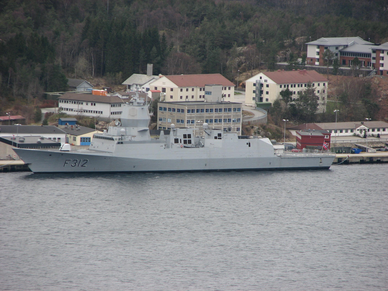 Armée Norvégienne KNM_Otto_Sverdrup-2009-04-10-Haakonsvern