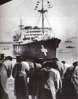 Kamakura Maru arriving at Yokohama with the ashes of the four submariners killed in the attack on Sydney Harbour