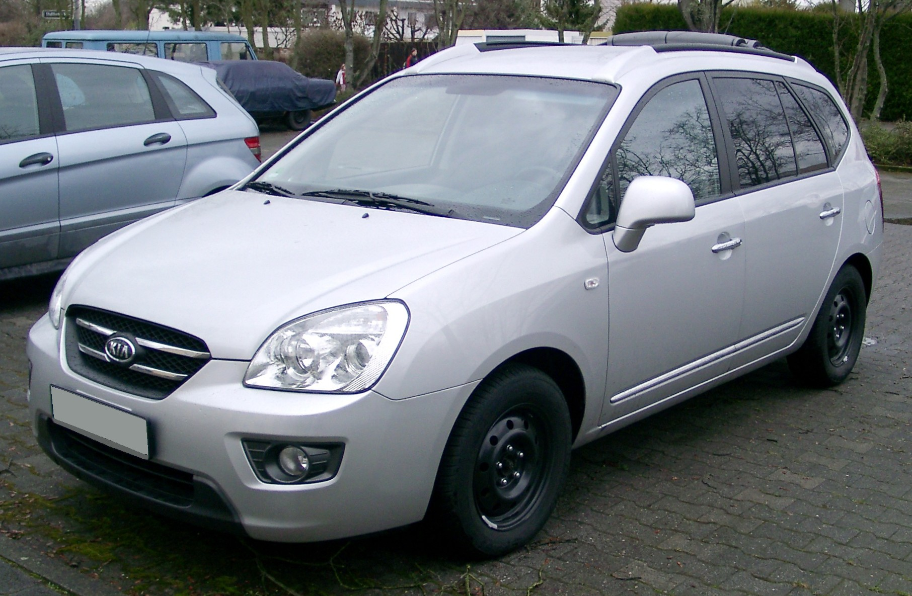 File Kia Carens Silver Front 20080303 Jpg Wikimedia Commons