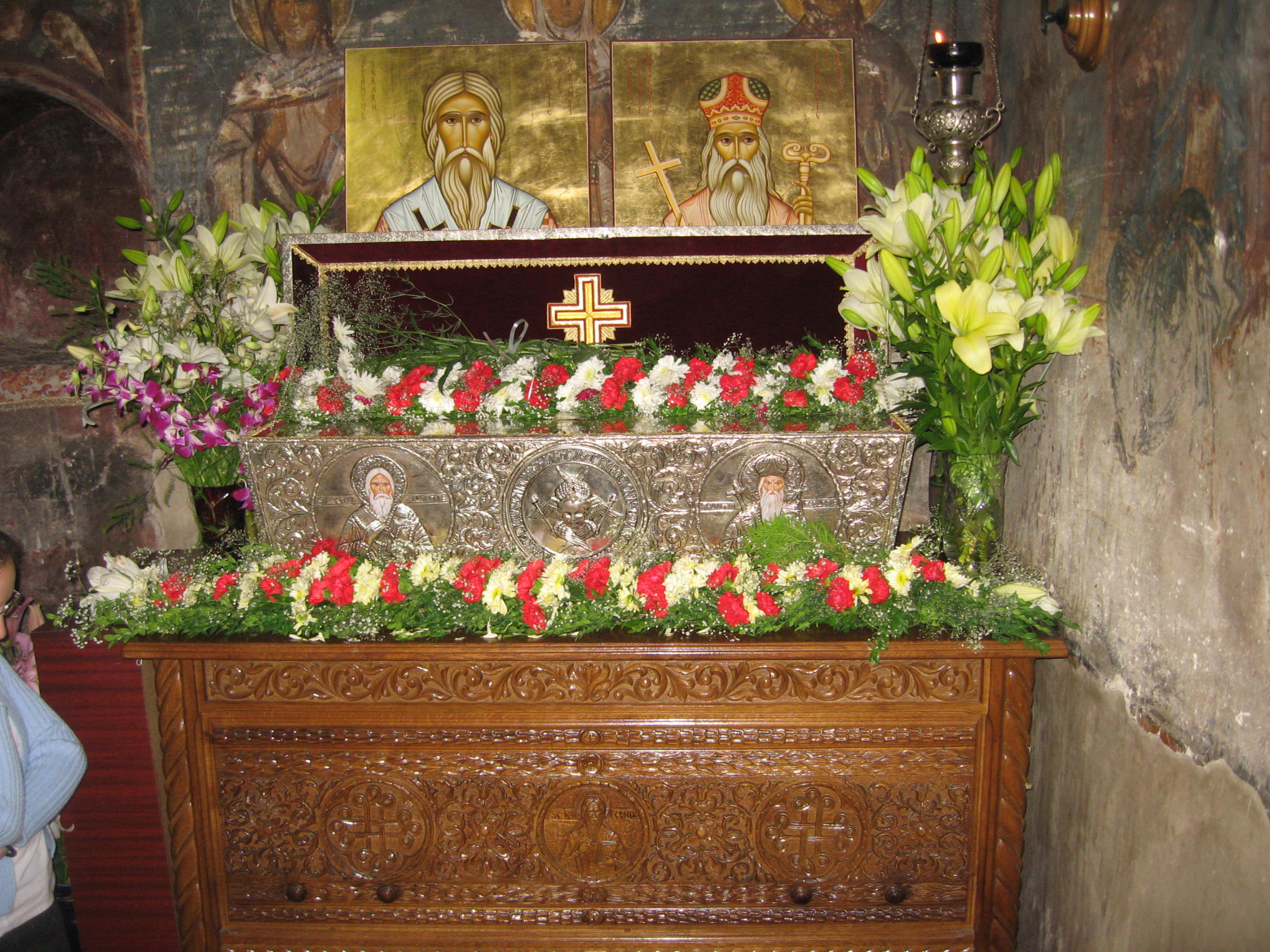 Fişier:Mănăstirea Bogdana6.jpg