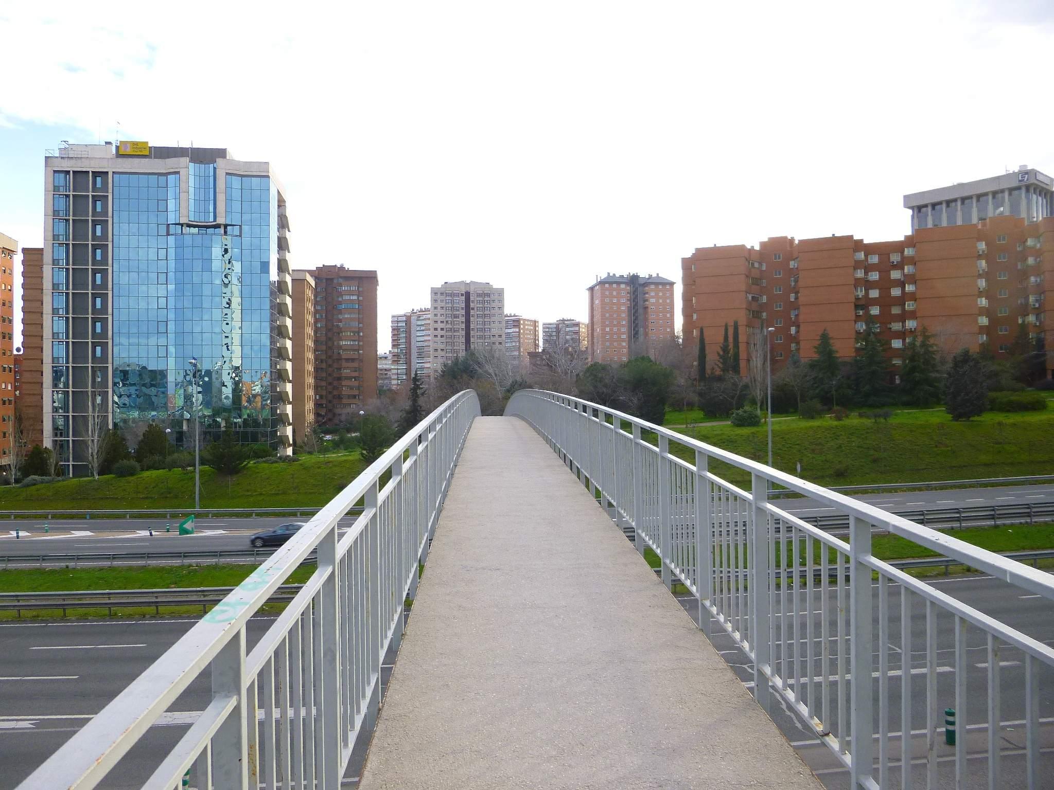 File:Madrid - Barrio de Pinar de Chamartín 1.JPG - Wikimedia Commons