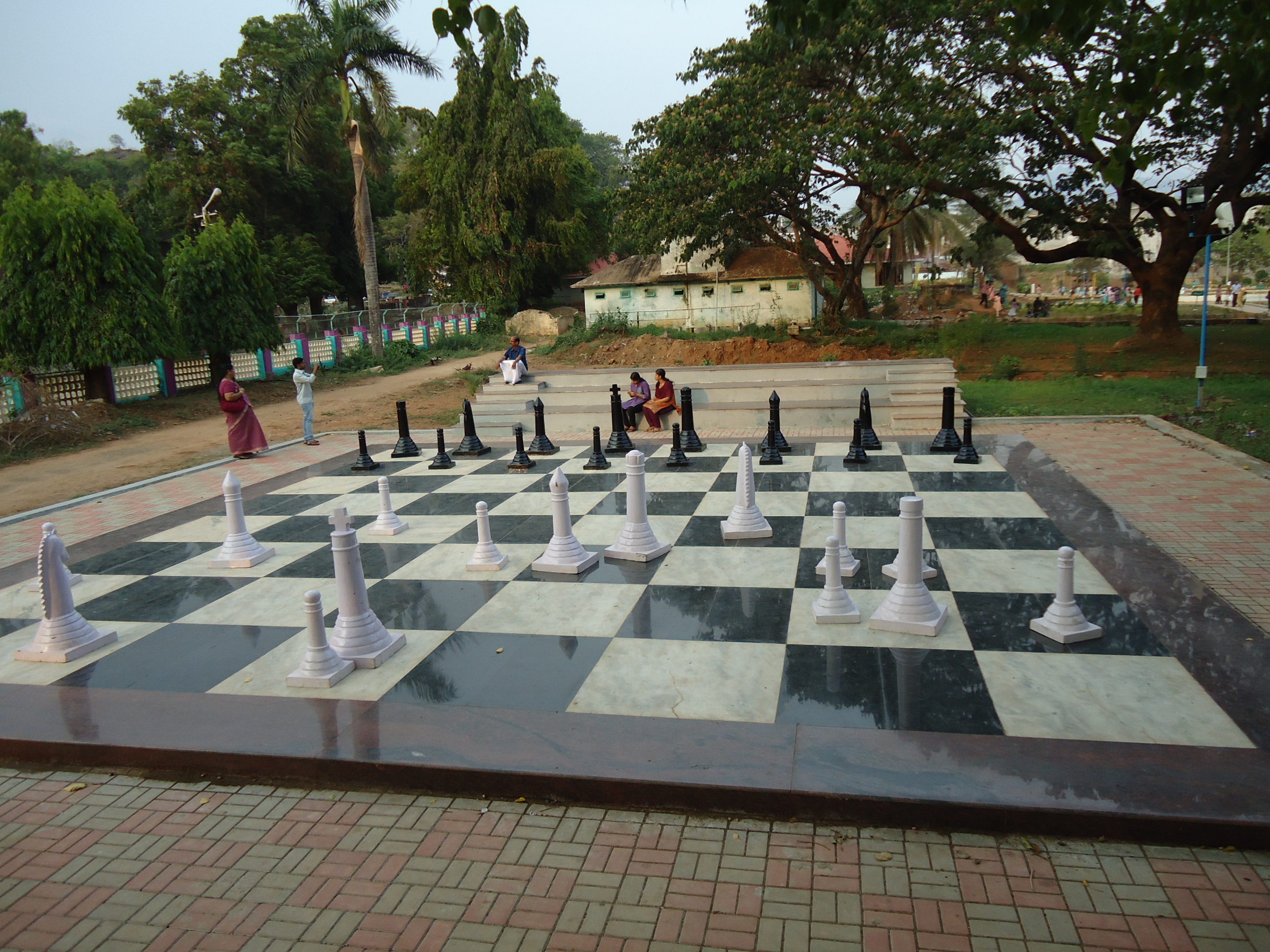 File malampuzha garden chess board jpg wikimedia commons