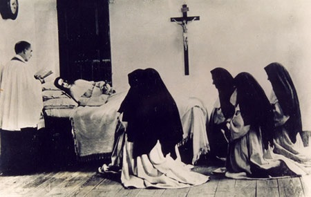 Death of Sister Mary of the Divine Heart Droste zu Vischering in the Convent of the Good Shepherd in Porto, Portugal (1896). Maria Droste zu Vischering - Porto, Portugal (1899).jpg