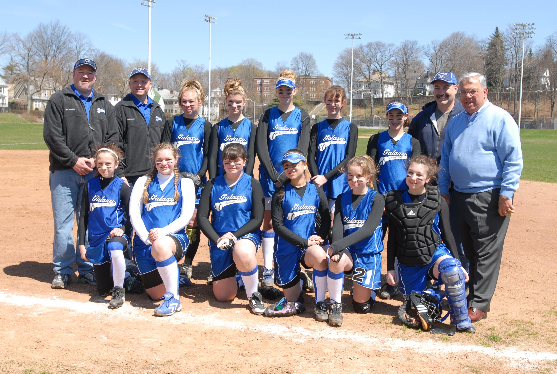 File Mayor Thomas M Menino With The Parkway Girls Softball Team