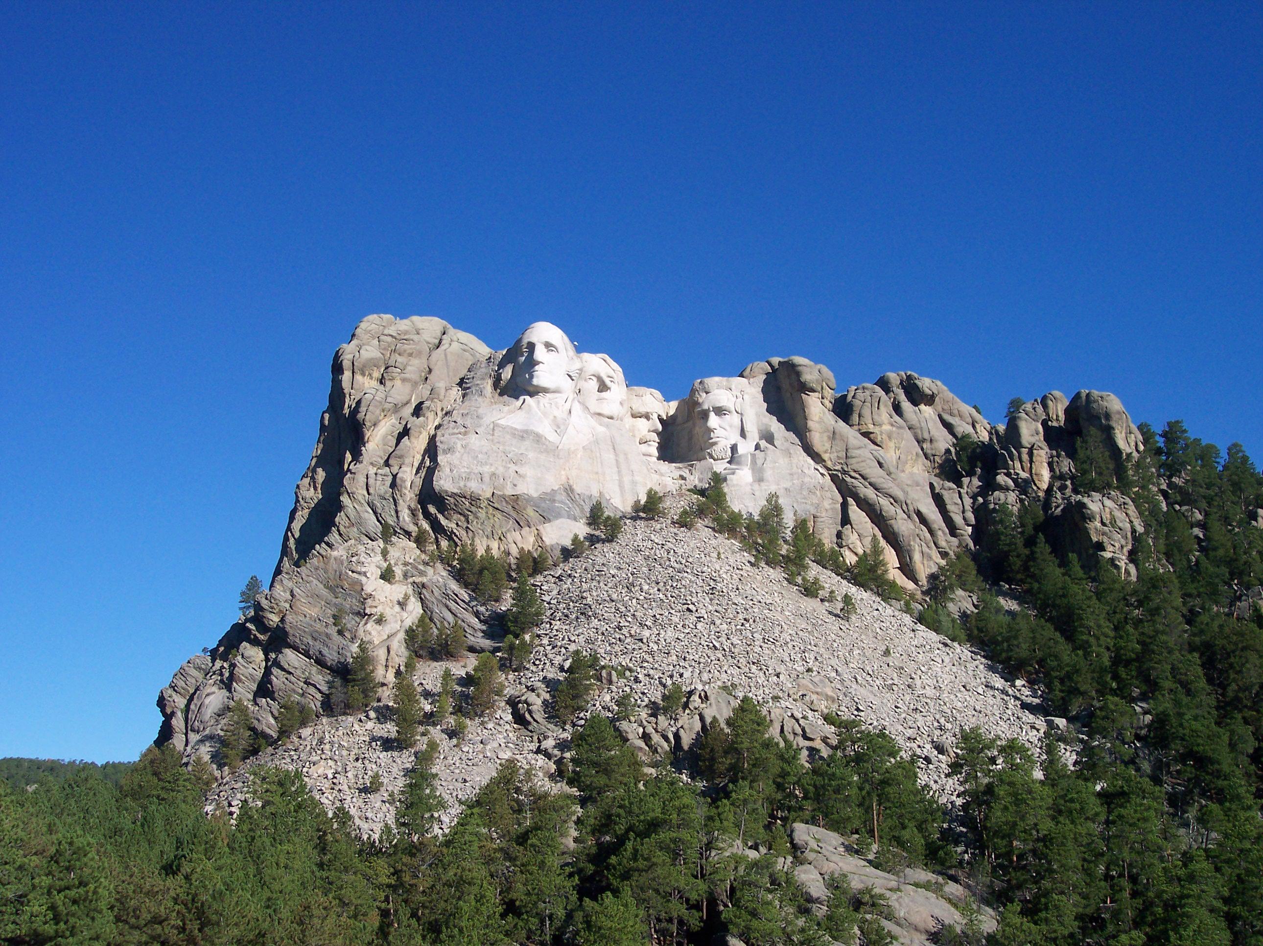 Description Mt rushmor...