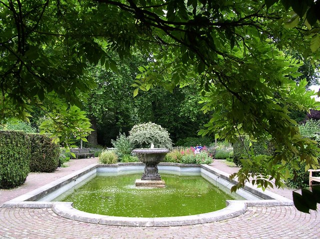 File Old English Garden Battersea Park Geograph Org Uk