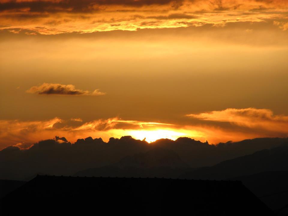 File:Perendimi i diellit i pare nga Qafa e Sallahut.jpg ...   title   perendimi i diellit